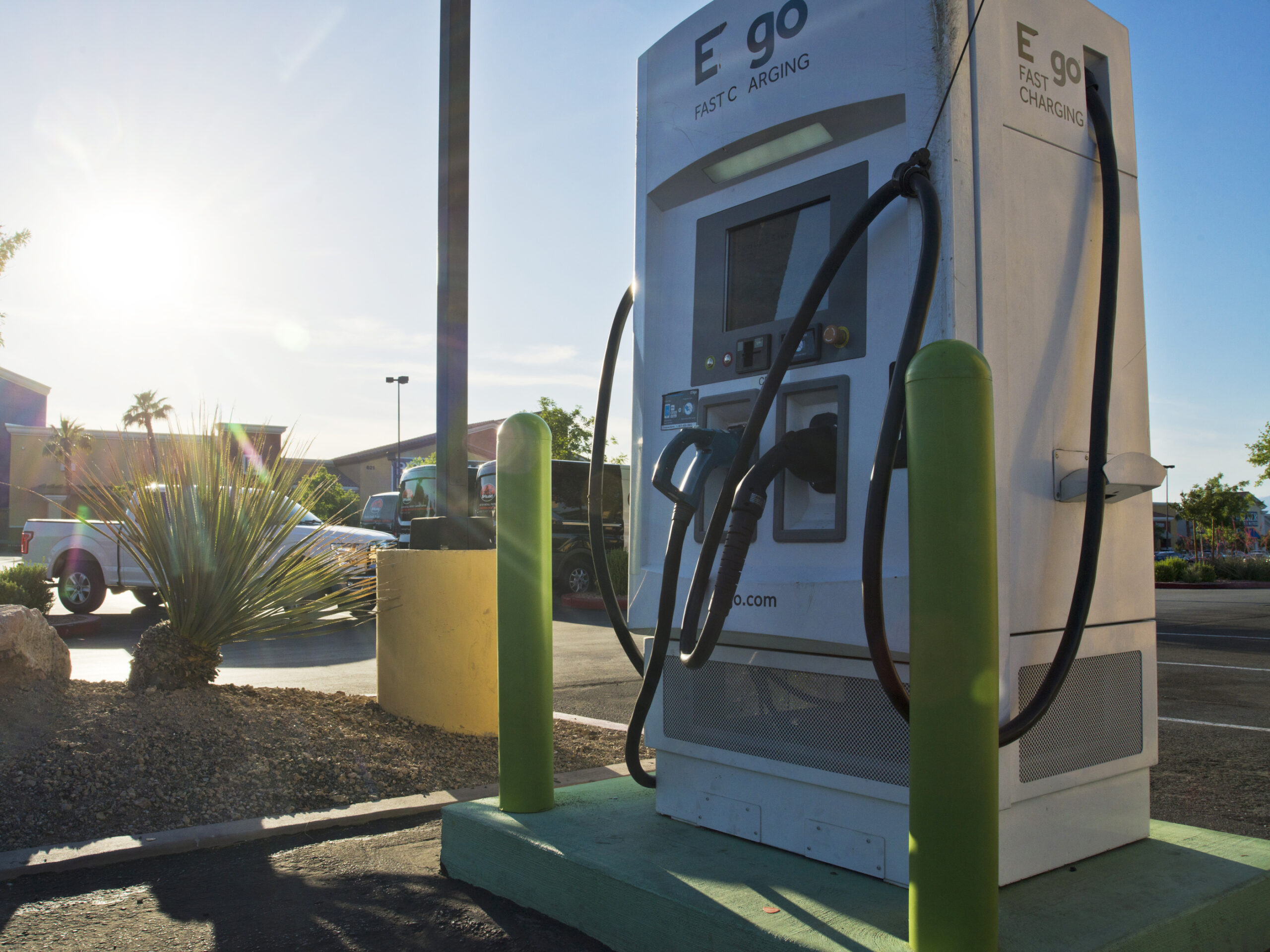 Report: Electric Vehicle Cost-Benefit Analysis